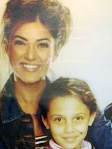 New Jersey's Emily Shah as a child with Miss Universe 1994, Sushmita Sen