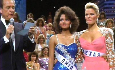 Bob Barker announces that Ohio`s Halle Berry is 1st runner up and Texas` Christy Fichtner is Miss USA 1986